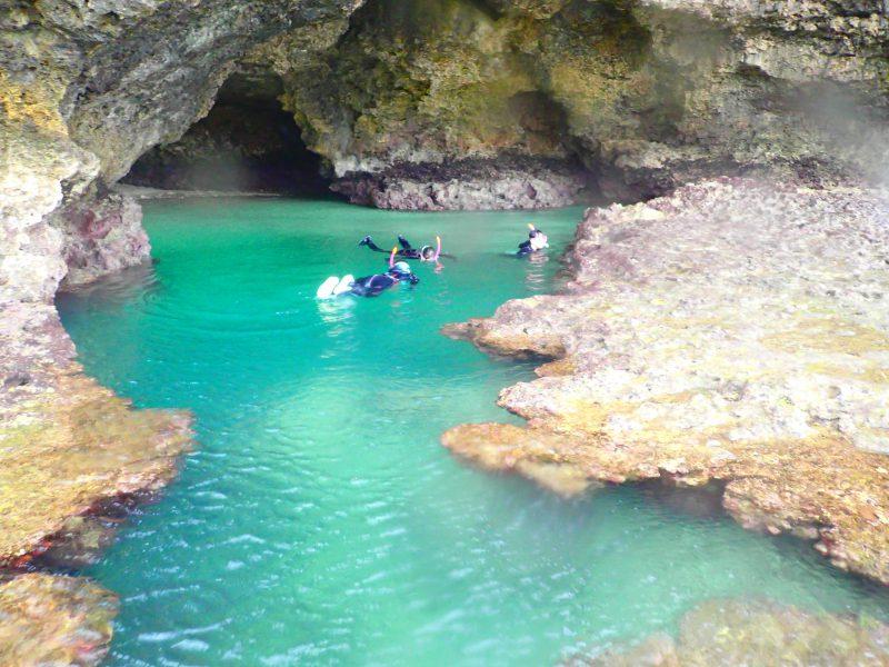 石垣島青の洞窟