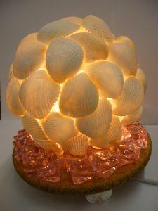球体の貝ランプ