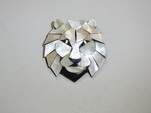螺鈿ざいくのライオン