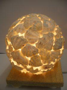 球体のシェルランプ
