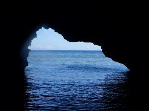 口コミ人気洞窟の中から撮影