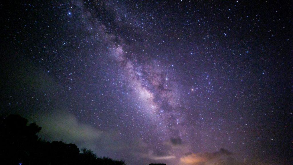 嘉弥真島の星空