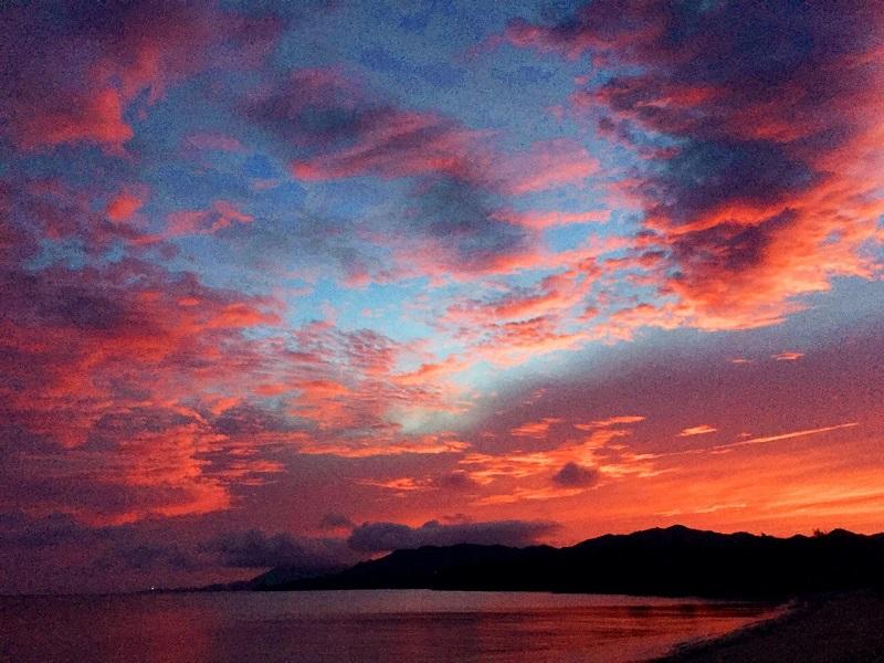 石垣島といえば昼の「綺麗な海」や夕方の「美しいサンセット」