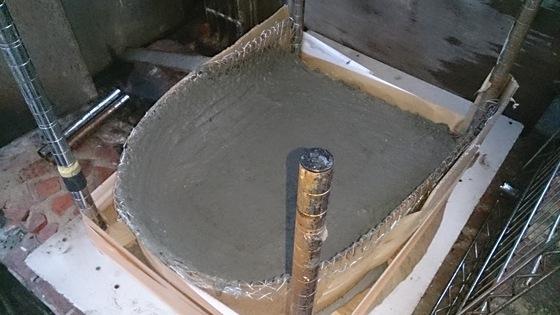 二層式の石釜