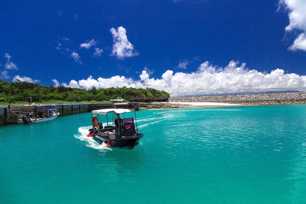 黒島沖の海の青