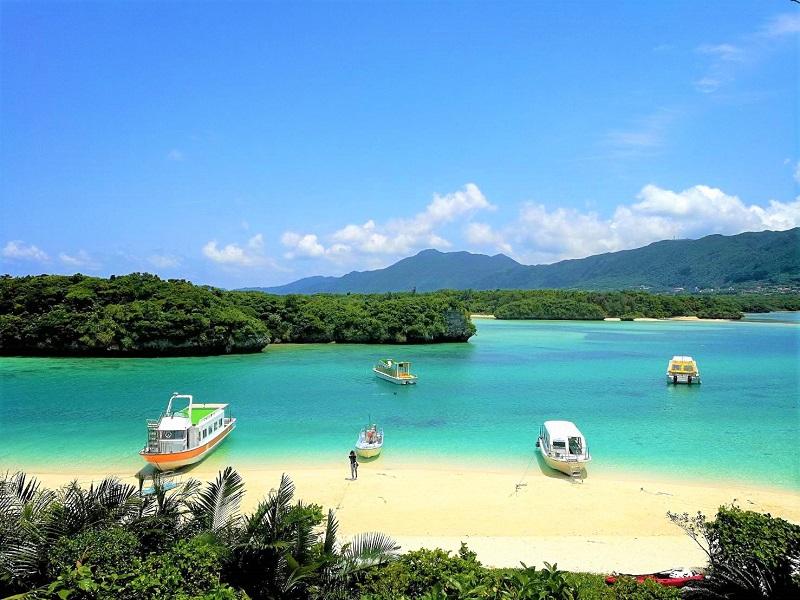 石垣島に住むYouTuberさん達を紹介しています。