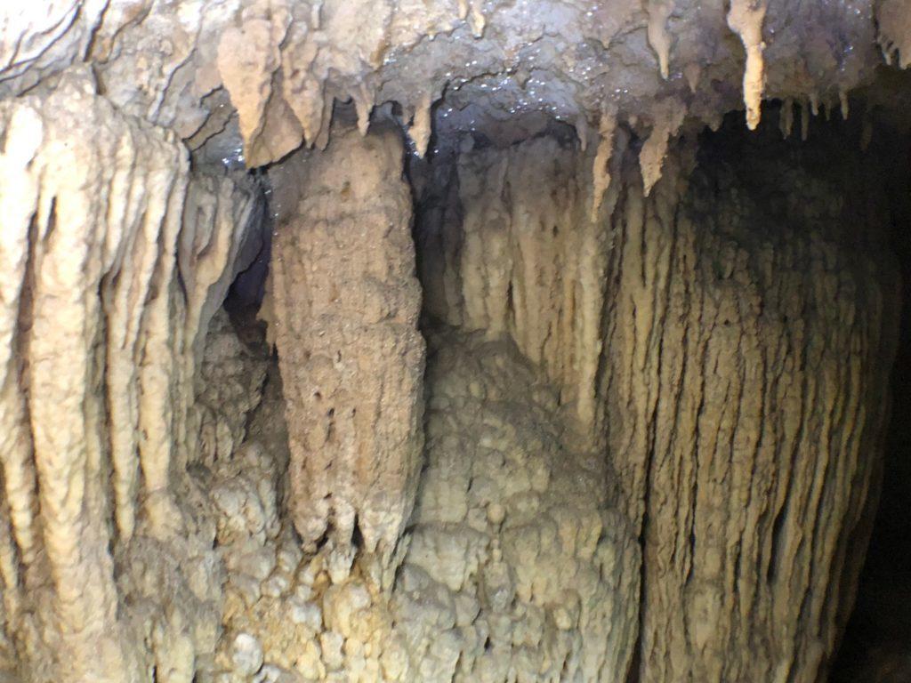 鍾乳洞では味わえないガチ洞窟探検