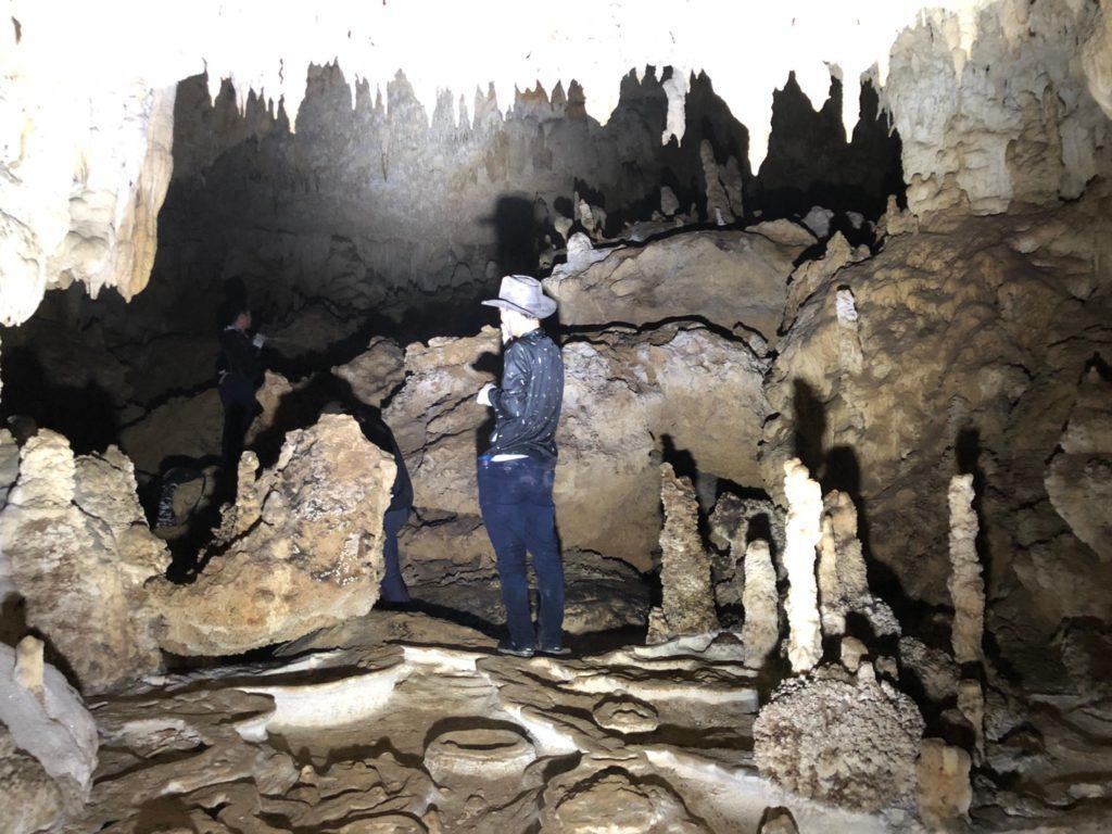 石垣島の地底洞窟探検